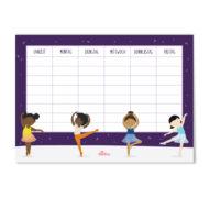 Vier Schwarze Kinder / of Colour tanzen Ballett, 3 Ballerinas und ein Ballerino