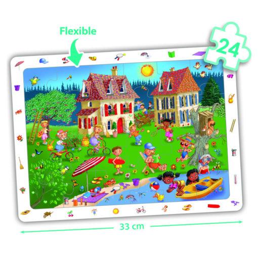 Auf diesem Wimmelbild Puzzle im Sommer gibt es viel zu entdecken. Viele Tätigkeiten, die den Sommer schön machen: Schwimmen, Radfahren, Tennis spielen. Eine Schwarze Frau und zwei Schwarze Kinder sind dabei. Sie machen das Puzzle etwas vielfältiger als die gängigen Puzzle es sind.