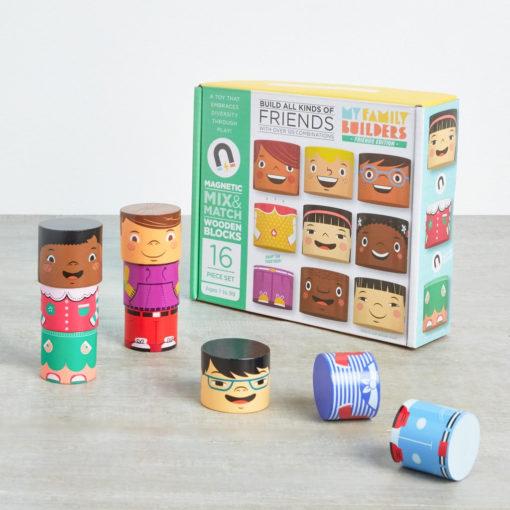 Karton My Family Buildes magnetische Holzklötze, 16 Teile, Friends Edition und einige Beispielfiguren