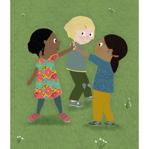 Drei Kinder, weiblich gelesen, zwei of Color/Schwarz und ein weißes Kind stehen im Kreis und geben sich High Fives
