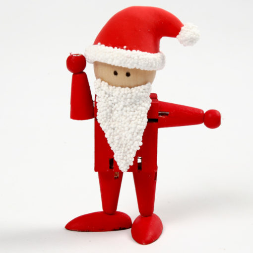 Beispielbild, wie aus unbehandelter Holzfigur ein Nikolaus / Weihnachtsmann wird. Rot angemalte Figur mit weißem Bart und rot-weißer Mütze