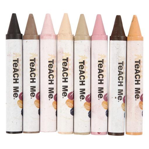 Bild von 8 verschiedenen Wachsmalstiften von beige, rosa über hellbraun bis dunkelbraun