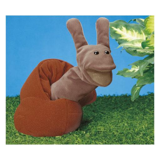 Handpuppe Schnecke - graue Schnecke, braunes Schneckenhaus; auf Gras neben Blume. Gendersensibles Spielzeug