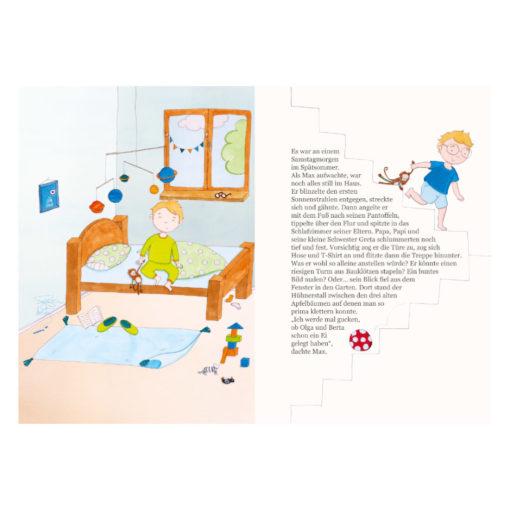Innenseite des Buchs Max findet einen Freund: Linke Seite: Illustration - Max ist wach und sitzt im Bett. Rechte Seite: Max saust die Treppe hinunter. Text darüber, dass Max wach ist.