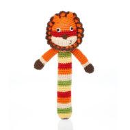 gehäkelte Babyrassel / Greifling Motiv Löwe, rot-orange-gelb-grün-beige-dunkelbraun